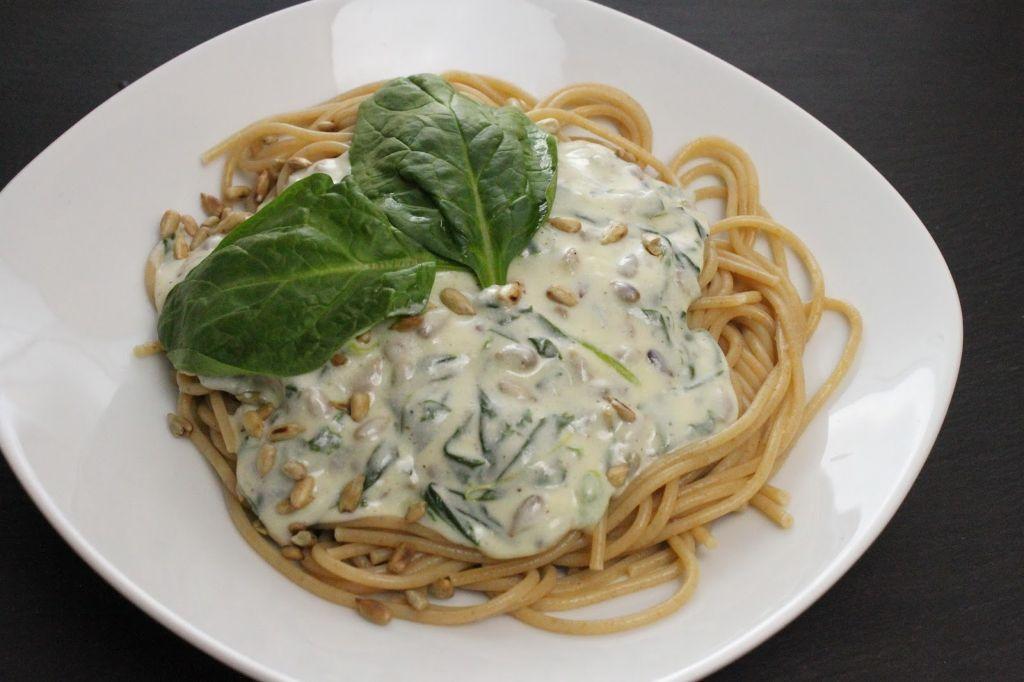 Spinat Ricotta Sosse, spinat ricotta füllung, spinat rezepte, vegetarische rezepte, schnelle vegetarische rezepte, ricotta rezepte, pasta rezepte, pasta rezept, nudel rezepte, nudel rezept
