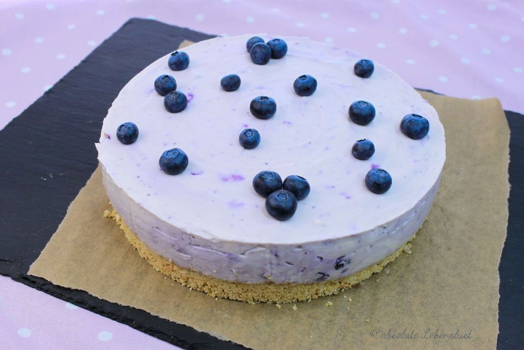 blaubeertorte, blaubeerkuchen, backen, ohne backen, rezept, selber machen, no bake cheesecake, deutsch, bueberry cheesecake, no bake, valentinstag, diy
