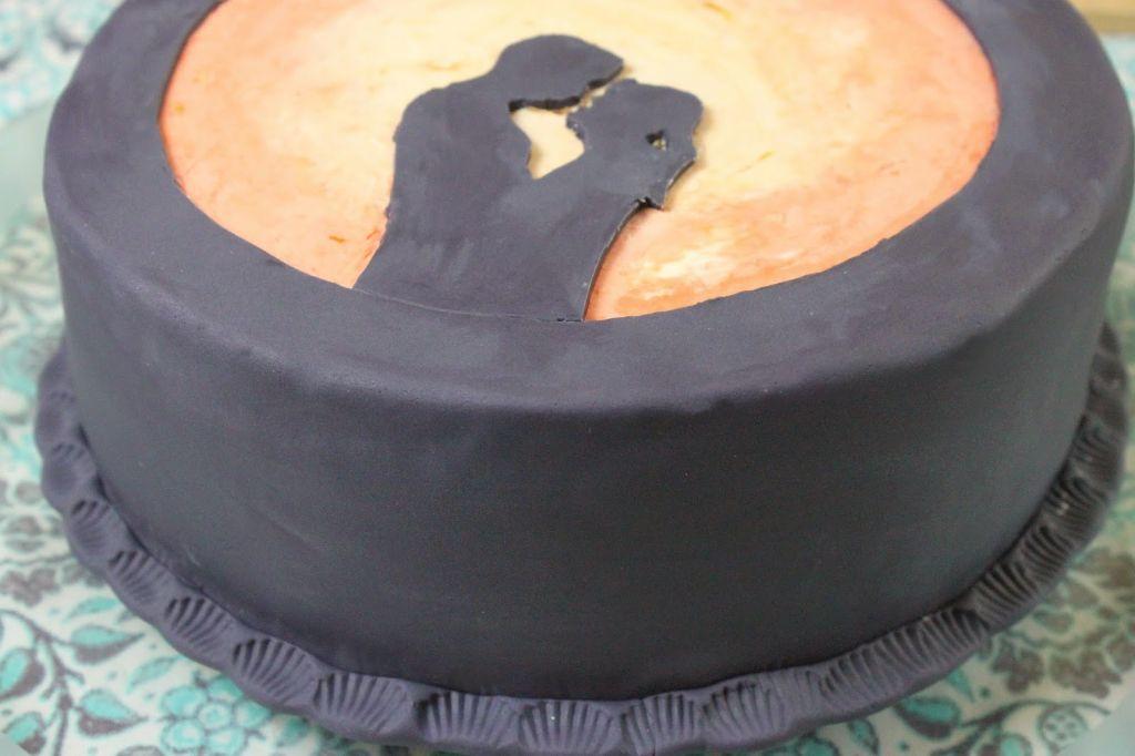 fondant torte schattenriss torten rezepte absolute lebenslust. Black Bedroom Furniture Sets. Home Design Ideas
