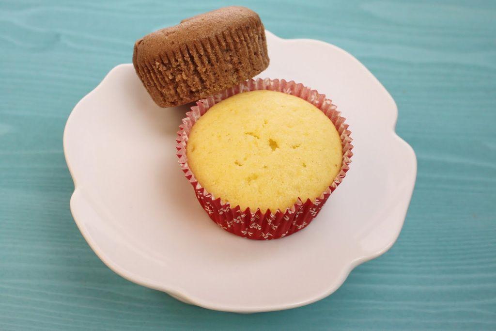cupcake grundrezept, muffin grundrezept, unterschied, cupcakes, muffins, schoko cupcakes backen, vanille cupcakes backen, rezept, rezepte