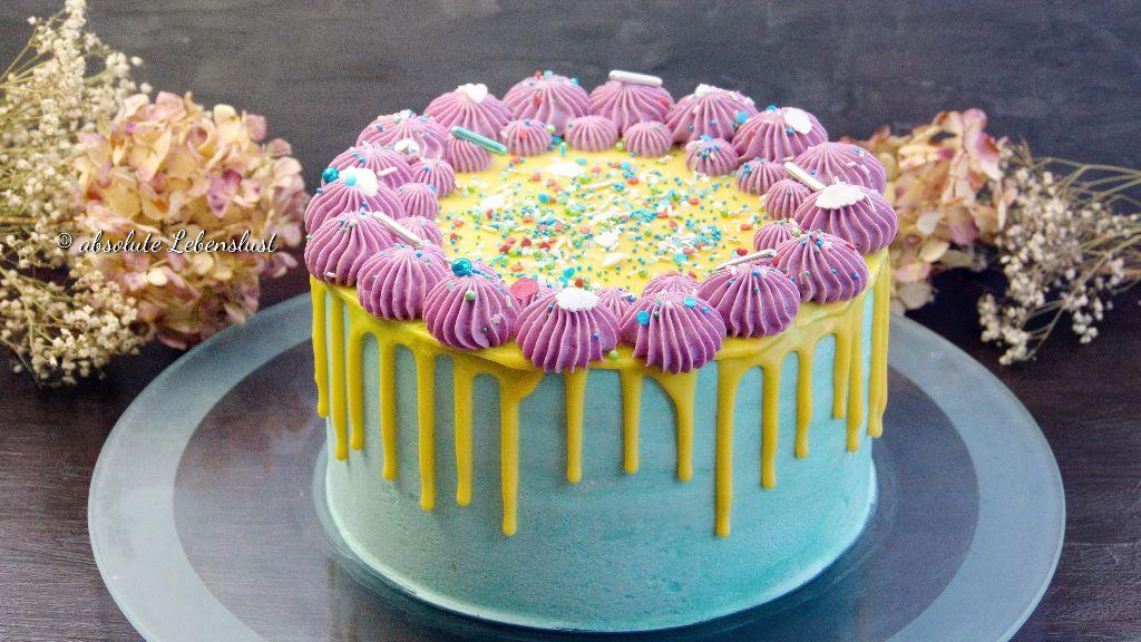 drip cake backen, torten dekorieren, buttercreme torte, bunte torte, bunt, geburtstagstorte, selber backen