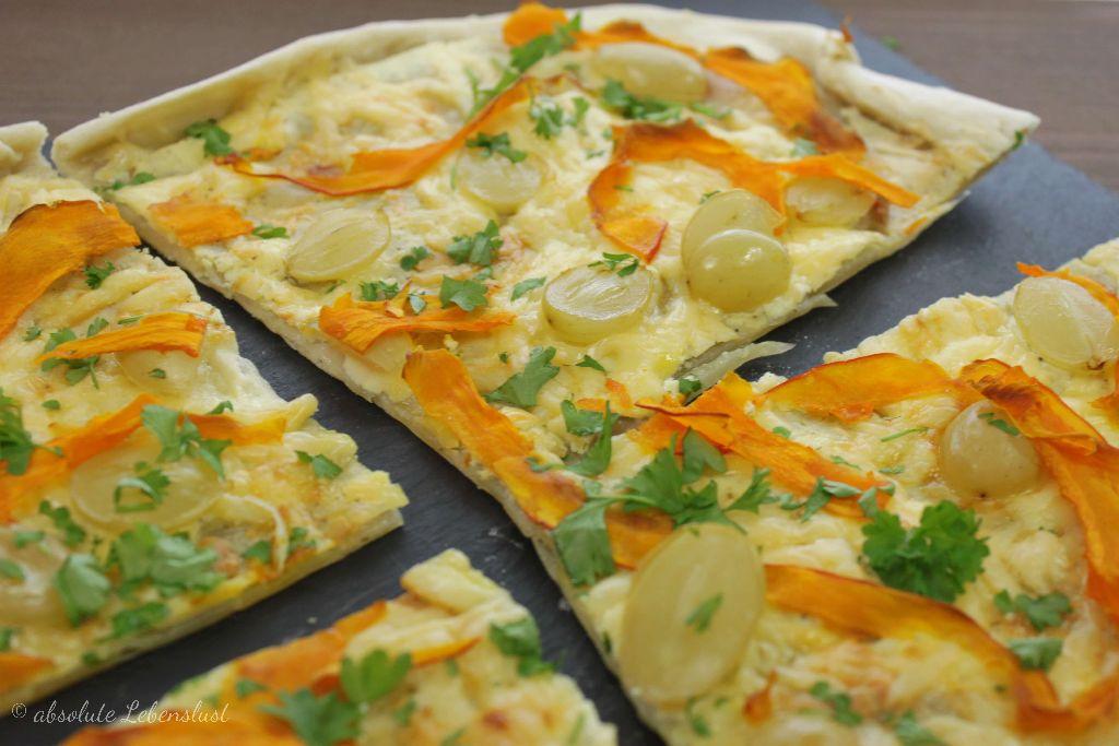 flammkuchen rezept, vegetarisch, flammkuchen vegetarisch, vegetarische rezepte, blog, foodblog, herzhafte kürbisrezepte, kürbisrezepte, hokkaido kürbis, herzhaft backen