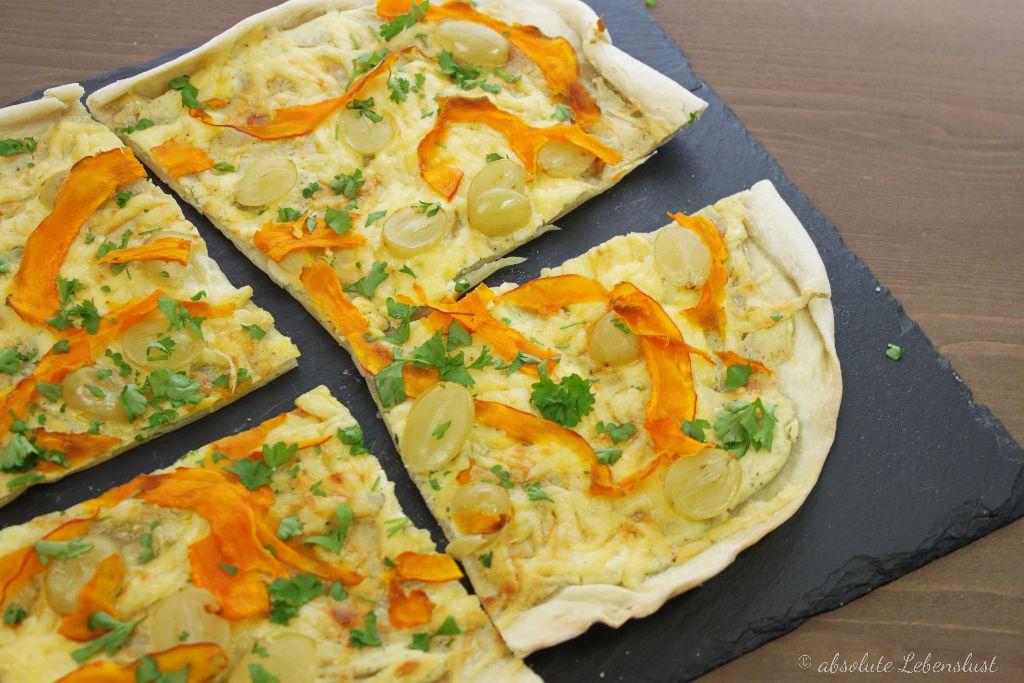 flammkuchen vegetarisch, flammkuchen rezepte, kürbis flammkuchen, vegetarische rezepte, ziegenkäse flammkuchen, mit ziegenkäse