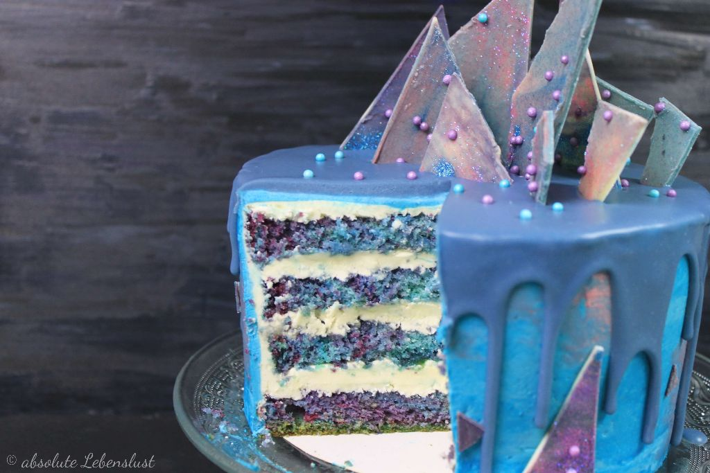 galaxy torte selber machen, galaxy diy, tortenrezepte, torten rezepte, torten ohne fondant, buttercreme torte