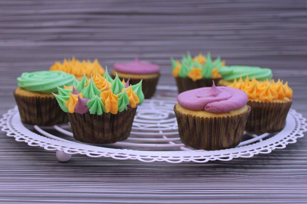 Halloween Ideen Essen.Halloween Cupcakes Gruseliges Halloween Essen Mit Fondant
