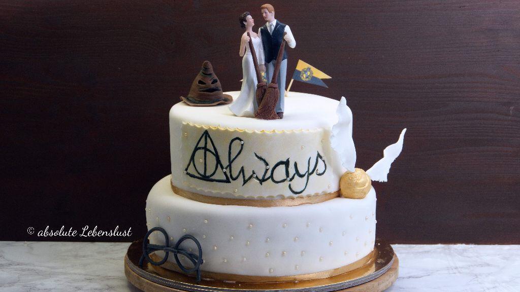 harry potter hochzeitstorte, zweistöckige, hochzeitstorte, wedding cake, harry potter, geburtstagstorte, torte, fondant torte, selber machen, backen