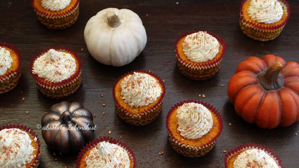 kürbis muffins selber machen, kürbis muffins rezept, muffin rezepte, mit bild, mit video, einfach, herbst rezepte, rezepte im herbst, kürbis rezepte backen