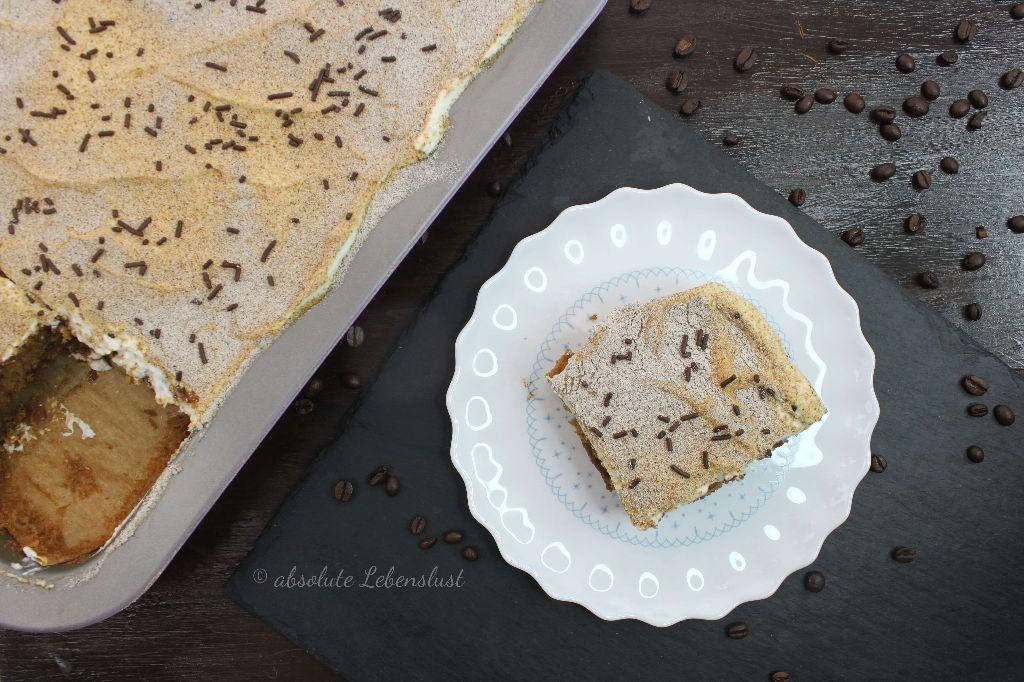 kaffee kuchen rezept leckere blechkuchen rezepte. Black Bedroom Furniture Sets. Home Design Ideas