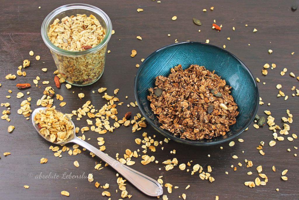 knuspermüsli, granola, schoko granola, selber machen, rezept, backen, müsi, frühstück, frühstücksideen, gesund, gesunde ernährung, porridge