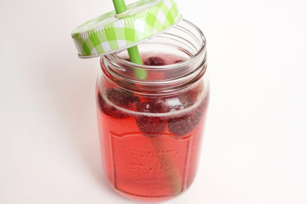 limonade selber machen, gesunde limonade selber machen, ginger ale, rezept, selber machen, ingwerschorle, ingwer limonade, himbeerschorle, himbeerlimonade, gesunde getränke, für den sommer