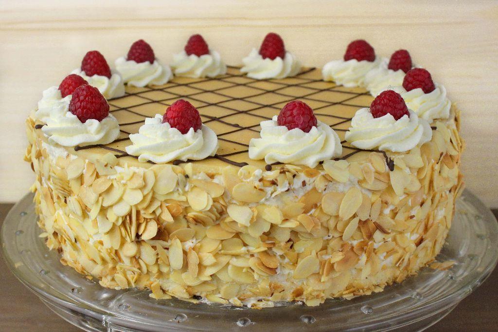 marzipan torte, marzipan torte backen, marzipan eierlikör torte, eierlikör torte, backen,r ezept, selber machen, oster rezepte, rezepte zu ostern