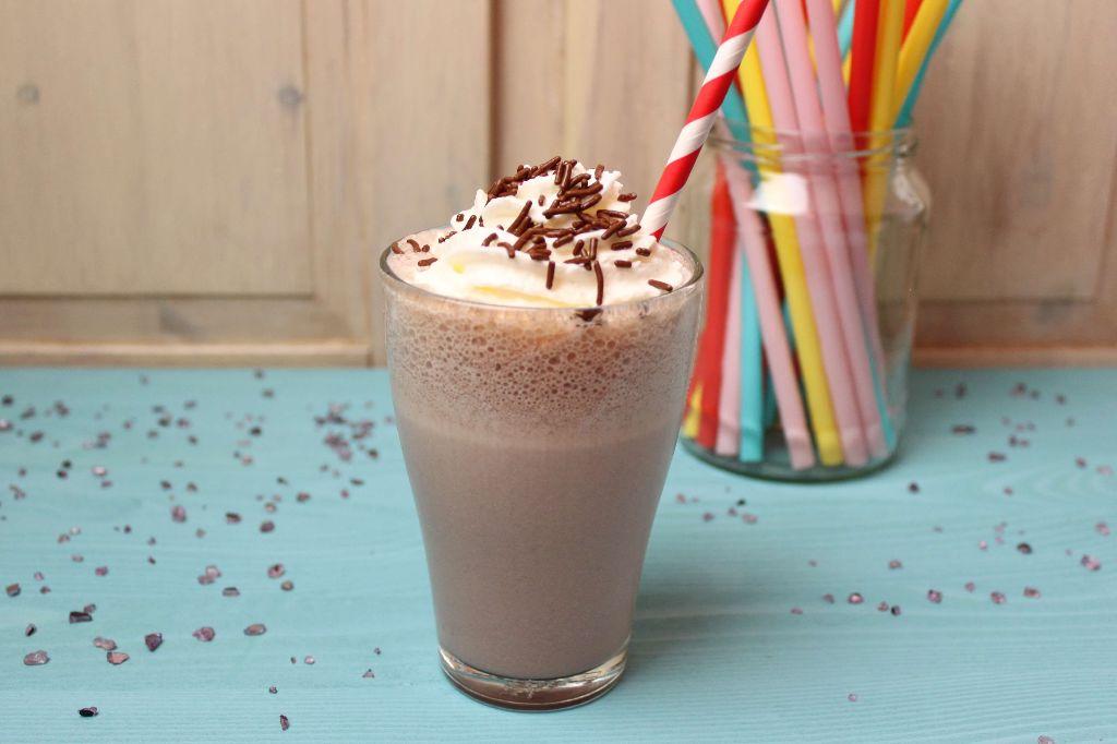 milchshake rezept, schoko milchshake, schokoladen milchshake, milchshakes selber machen, sommergetränke ideen, getränke rezepte