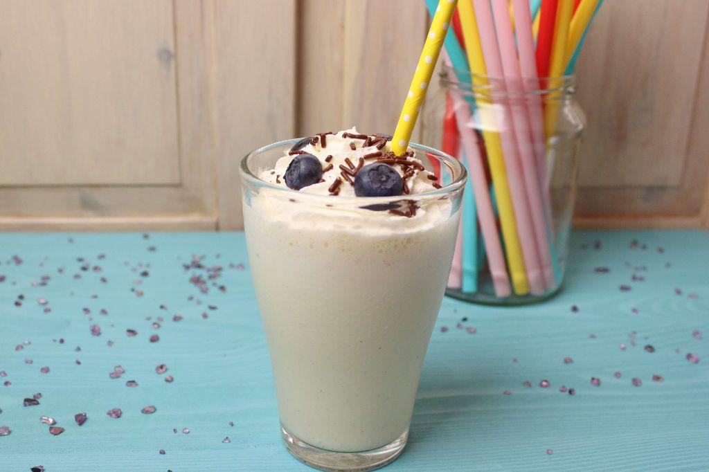 milchshake selber machen, vanille milchshake, mc donalds milchshakes, selber machen, rezepte, milchshake ideen, sommergetränke selber machen, ohne mixer