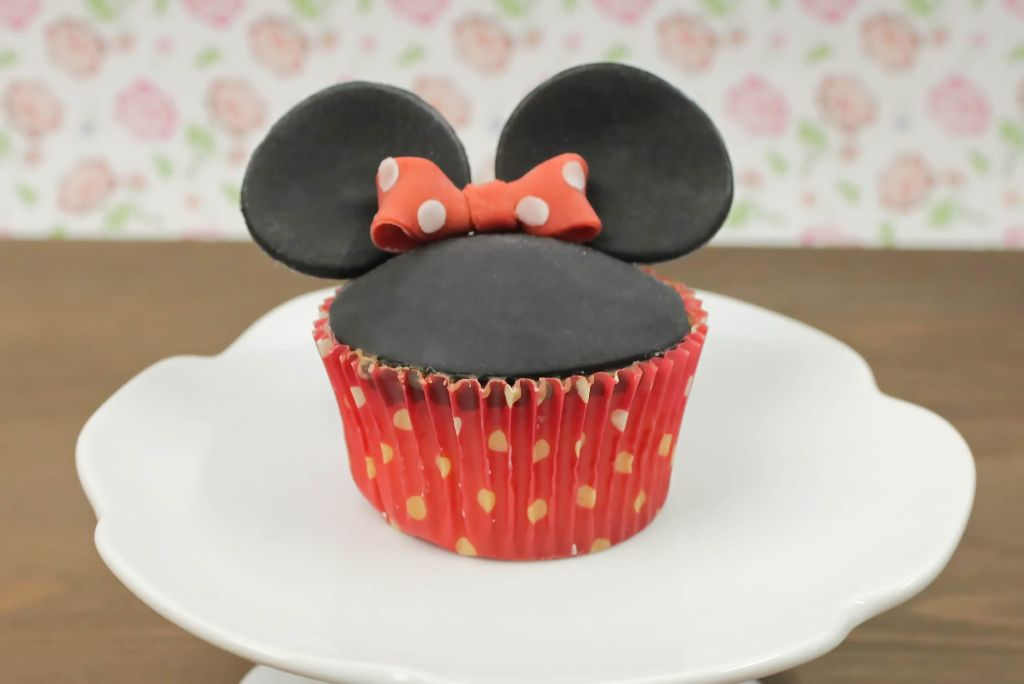 minnie mouse cupcakes backen dekorieren absolute. Black Bedroom Furniture Sets. Home Design Ideas