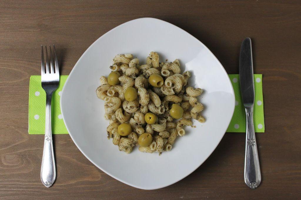 olivenpesto rezept, oliven rezepte, oliven rezept, rezept mit oliven, pesto rezepte, pesto rezept, vegetarische rezepte, schnelle vegetarische rezepte, was koche ich heute