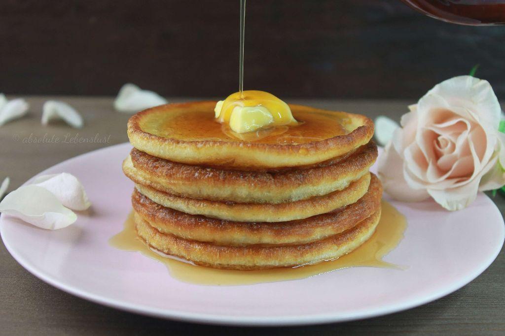 pancakes rezept, dicke pfannkuchen, luftige pfannkuchen, pancakes mit quar, backen, rezept, pancakes, selber machen, frühstücksideen