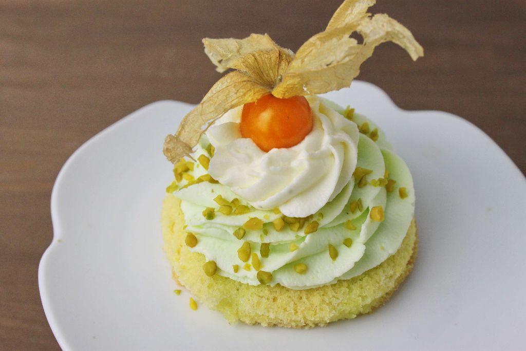 pistazien törtchen backen, törtchen rezepte, kuchen rezepte, kleine kuchen backen, dessert rezepte, was backe ich heute, rezepte mit pistazien, pistaziencreme selber machen