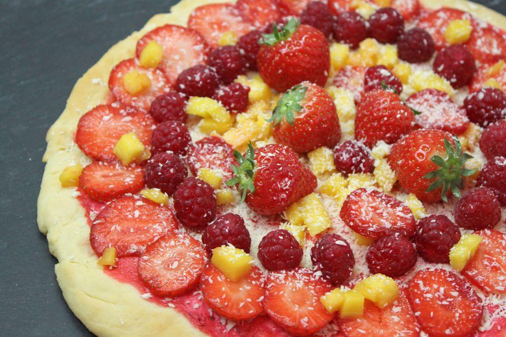 pizza rezepte, pizza ideen, süße pizza rezepte, süßer hefeteig, hefeteig süß, pizzateig süß, frucht pizza, frucht rezepte, rezepte mit obst