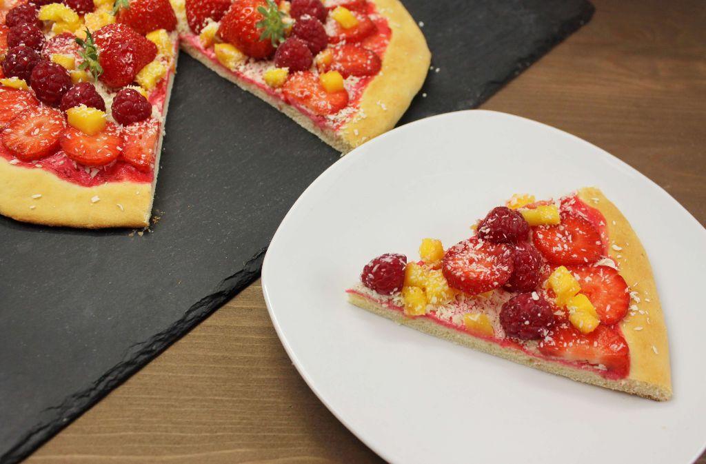 pizza rezepte, sommer rezeptideen, sommerliche rezepte, rezepte mit obst, rezepte mit früchten, obstsalat, auf pizza, rezept, selber machen