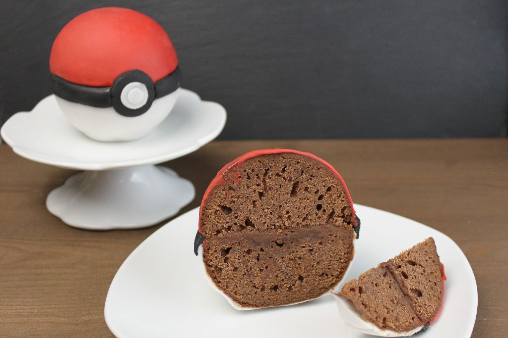 pokeball fondant torte 3d motivtorten absolute lebenslust. Black Bedroom Furniture Sets. Home Design Ideas
