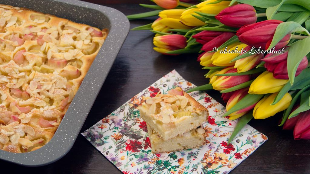 rhabarberkuchen, rhabarber blechkuchen, backen, rezept, eifnache kuchen, kuchenrezepte, einfach, schnell, saftiger