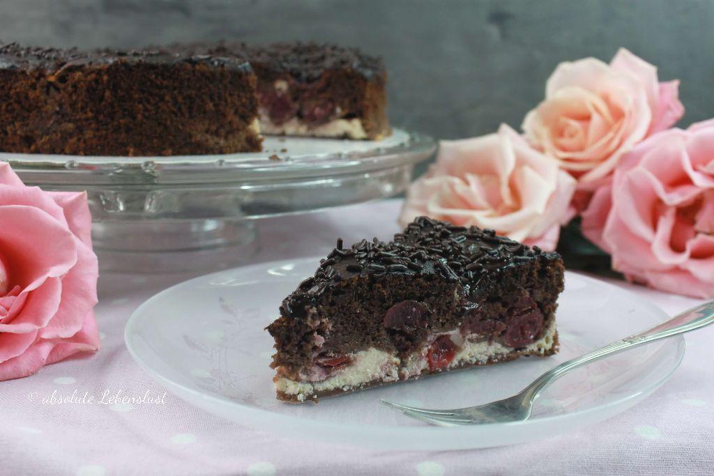 schokoladenkuchen mit kirschen, schokoladenkuchen mit cheesecake füllung, mit cheesecakefüllung, mit cheesecake füllung, mit käsekuchenfülung, mit käsekuchen füllung, backen