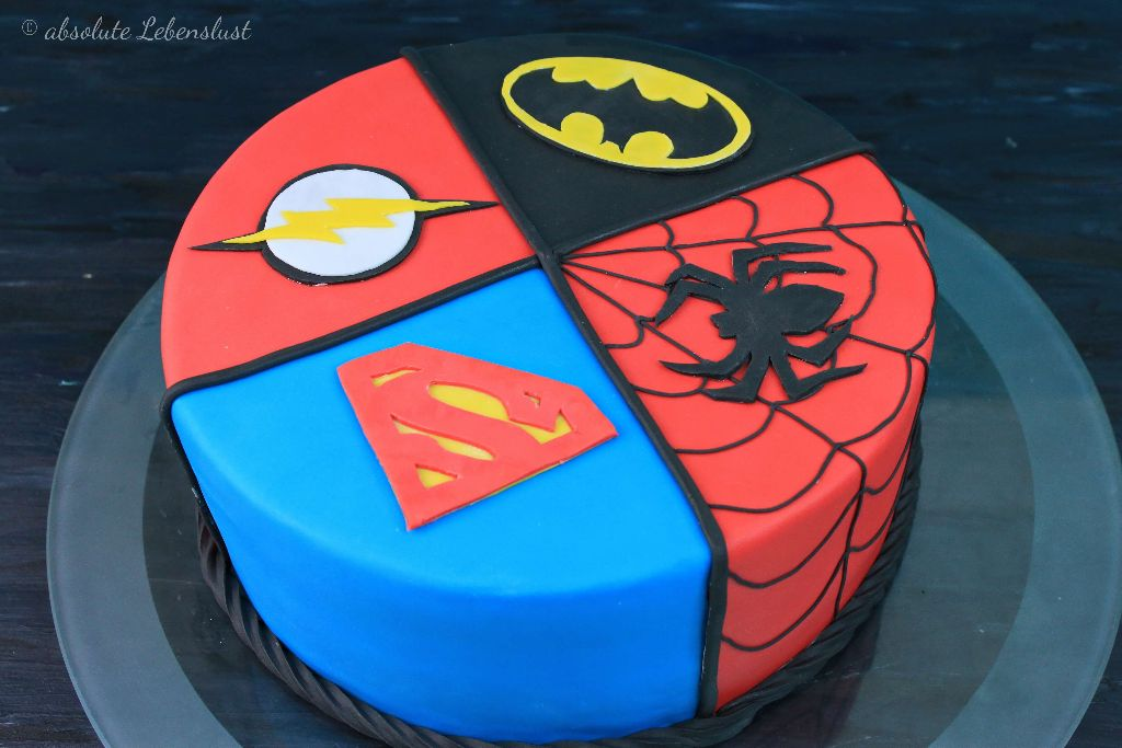 superhelden torte, superman torte, spiderman torte, batman torte, flash torte, fondant torten, selber machen