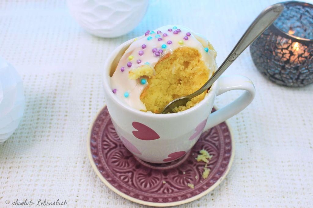tassenkuchen selber machen, tassenkuchen im backofen, tassenkuchen aus dem backofen, mikrowelle, tassenkuchen rezepte