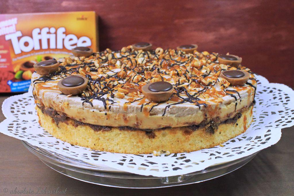 toffifee torte backen karamell nougat torte absolute lebenslust. Black Bedroom Furniture Sets. Home Design Ideas