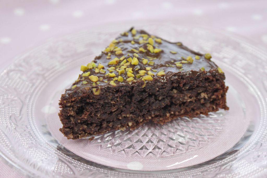 veganer schokokuchen, vegane rezepte, schokoladenkuchen backen, ohne eier, ohne ei, ohne zucker, gesunder kuchen, gesunde kuchenrezepte, kuchen ohne zucker